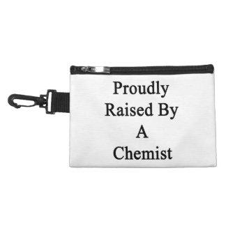 Aumentado orgulloso por un químico