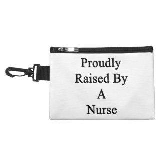 Aumentado orgulloso por una enfermera
