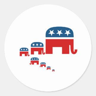 Aumentándolos republicanos pegatina redonda