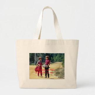 Aumento de sus niños bolsa tela grande