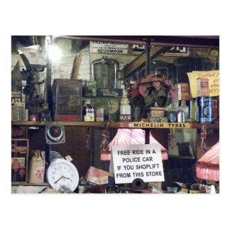 Aún-vida del mercado de pulgas postales
