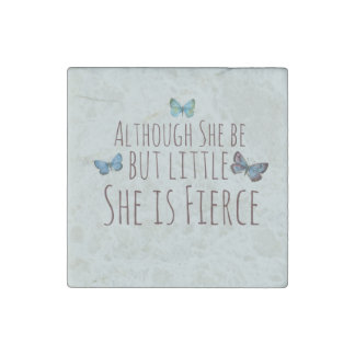 Aunque ella sea pero poco ella es feroz imán de piedra