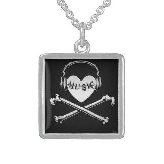 Auriculares cráneo y bandera pirata de la música d pendiente personalizado