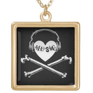 Auriculares cráneo y bandera pirata de la música d collares
