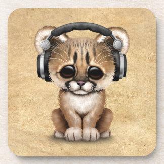 Auriculares que llevan lindos de Cub DJ del puma Posavaso