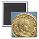Aurífero de Constantius I César Augustus Iman