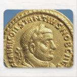 Aurífero de Constantius I César Augustus Mouse Pads