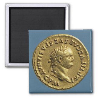 Aurífero de Nero que lleva una guirnalda del laure Imán Cuadrado