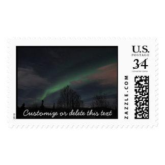 Aurora boreal en bosque boreal; Personalizable Franqueo