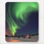 Aurora boreal en el lago bear alfombrillas de ratón