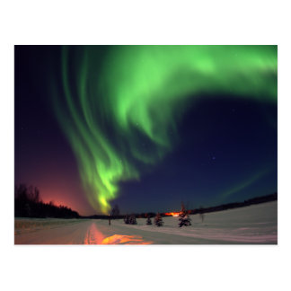 Aurora boreal en el lago bear postal