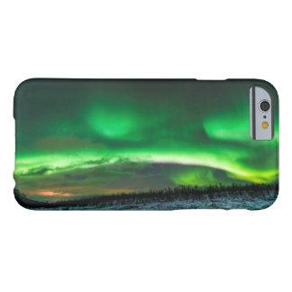 Aurora boreal sobre Abisko Suecia Funda De iPhone 6 Barely There