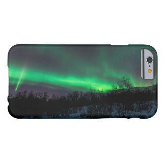Aurora boreal sobre el caso del iPhone 6 de Abisko Funda De iPhone 6 Barely There