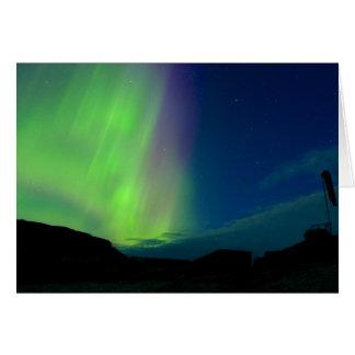 Aurora boreal sobre el helipuerto tarjeta de felicitación
