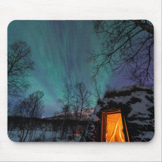 Aurora boreal y una choza Mousepad de Sami