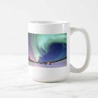 Aurora Borealis - lago bear, Alaska Taza Clásica