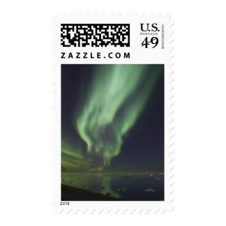 Aurora Borealis reflejado en el Océano ártico Envio