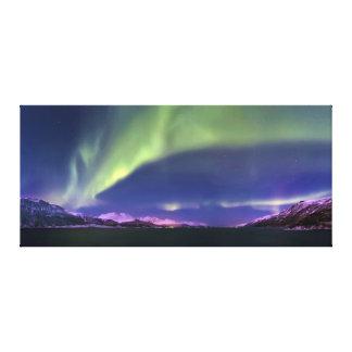 Aurora Borealis sobre Lyngenfjorden Noruega Lona Envuelta Para Galerias