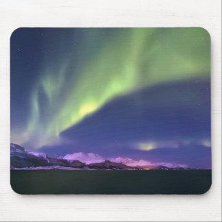 Aurora Borealis sobre Lyngenfjorden Noruega Mouse Pads