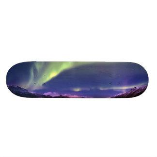 "Aurora Borealis sobre Lyngenfjorden Noruega Patineta 7 1/4"""