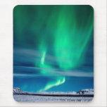 Aurora Borealis sobre Mosfellsheiði Tapete De Ratón