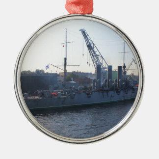 Aurora revolucionaria del buque de guerra adorno redondo plateado