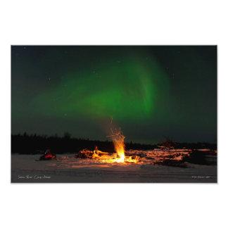 Aurora sobre el campo del río de Salcha Fotografía