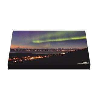 Aurora sobre el río Eagle, Alaska Lona Envuelta Para Galerías