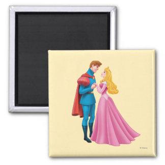 Aurora y príncipe Phillip Holding Hands Imán De Frigorífico