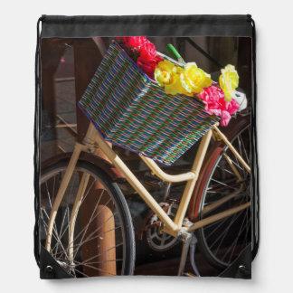 Australia, Freemantle, calle principal, bicicleta Mochila