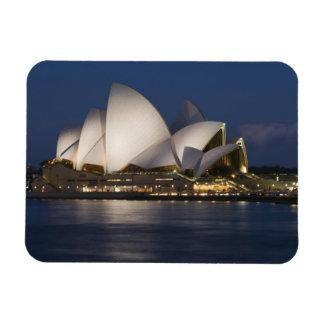 Australia, Sydney. Teatro de la ópera en la noche  Imanes De Vinilo