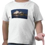 Australia, Sydney. Teatro de la ópera en la noche Camiseta