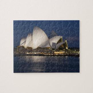 Australia, Sydney. Teatro de la ópera en la noche  Puzzle