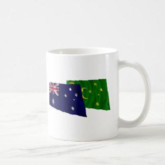 Australia y islas de Cocos que agitan banderas Tazas
