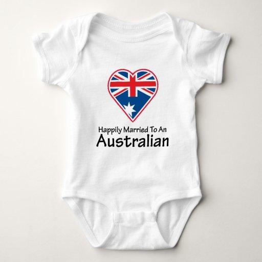 Australiano feliz casado mameluco de bebé