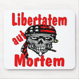 Aut Mortem de Libertatem del cráneo (latino para l Tapetes De Ratones