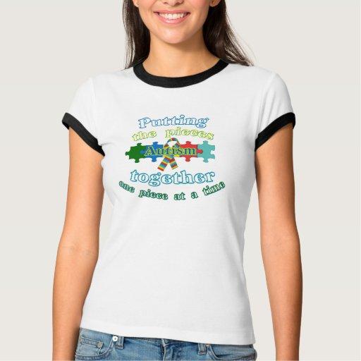 Autismo que pone los pedazos juntos t-shirts