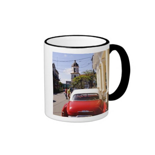 Auto americano clásico viejo en Guanabacoa una ciu Taza De Café