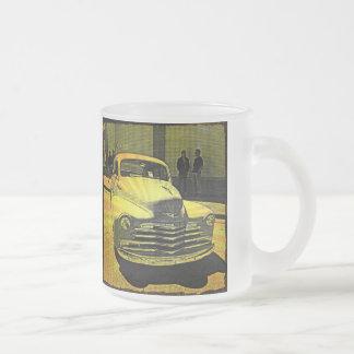 Auto del vintage del estilo del cómic céntrico taza de café esmerilada