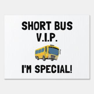 Autobús corto VIP Carteles
