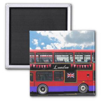 Autobús de dos pisos rojo del autobús de Londres Imán Cuadrado