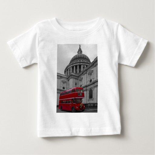Autobús del rojo de Londres Playeras