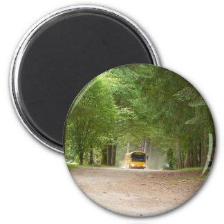 Autobús escolar amarillo grande imán redondo 5 cm