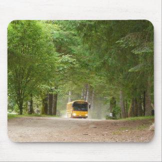 Autobús escolar amarillo grande alfombrilla de ratones