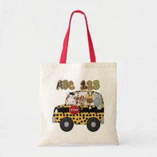 Autobús escolar de la selva bolsa de mano
