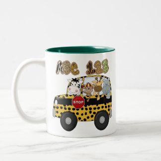 Autobús escolar de la selva tazas