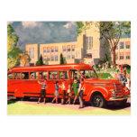 Autobús escolar retro del rojo del niño de la escu tarjeta postal