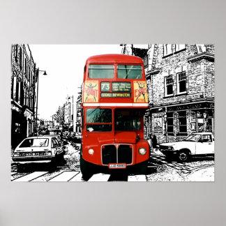 Autobús rojo brillante en Londres Póster