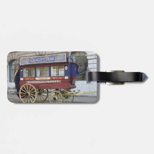 Autobús traído por caballo del vintage, Londres Etiquetas Para Equipaje