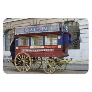 Autobús traído por caballo del vintage, Londres Imanes